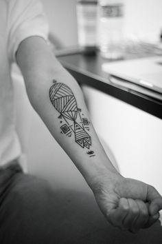 Un tatoueur celebre motif geometrique signification tattoo