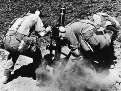 May 13, 1982: A Royal Marine mortar team fires a missile in preparation for the final assault on the Falklands. #FalklandsWar