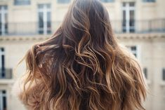 the wavy, loose curls are darling. I want my hair to look like that.