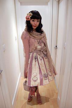 lolita x dolly kei Japanese Street Fashion, Tokyo Fashion, Harajuku Fashion, Kawaii Fashion, Lolita Fashion, Gyaru Fashion, Mori Fashion, Harajuku Style, Quirky Fashion