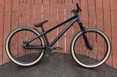 Blackbird - Specialized P. Cross Country Mountain Bike, Mountain Bicycle, Downhill Bike, Mtb Bike, Cool Bicycles, Cool Bikes, Hardtail Mtb, Freeride Mtb, Montain Bike