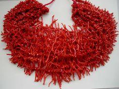 Collares coralinos rojos mediterráneos