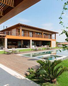 Bungalow House Design, Design Your Dream House, Modern House Design, My Dream Home, Terrace House Exterior, Facade House, Home Building Design, Home Design Plans, Future House