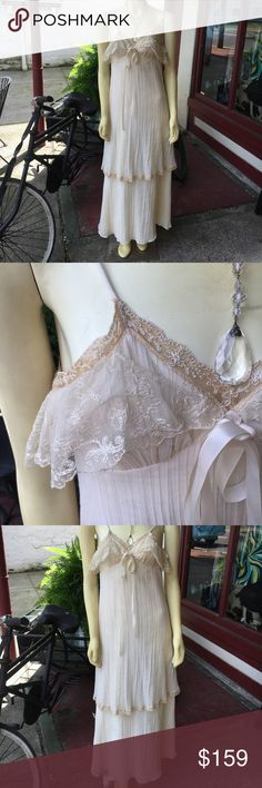Vintage cotton 20s -30s dress 👗 Vintage cotton layered lace trim spaghetti strap lined ivory gorgeous dress Vintage Dresses Maxi