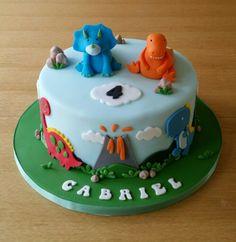 Dinosaurs themed cake