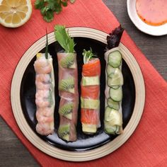 For hospitality ♪ Colorful fresh spring rolls - Rezepte - Vegetarian Recipes, Cooking Recipes, Healthy Recipes, Easy Recipes, Cooking Box, Food Platters, Pavlova, Food Design, Appetizer Recipes