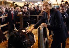 """Marine Le Pen propose de """"franciser les aides"""" aux agriculteurs"""