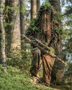 Sniper in a Ghillie Suit Airsoft Sniper, Sniper Gear, Airsoft Gear, Tactical Gear, Ghillie Suit, Survival, Military Gear, Guns And Ammo, Remington 700