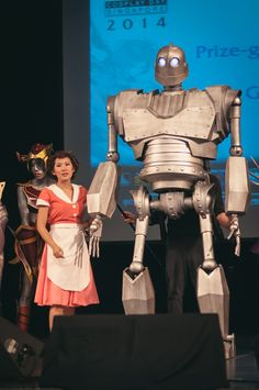 The Iron Giant Puppet Cosplay Rig by Orvis Evans
