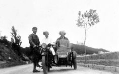old motorcycle AJS Old Motorcycles, Old Pictures, Historical Photos, Antique Cars, Darth Vader, Black And White, 1930s, Vehicles, Fictional Characters
