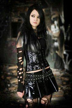 Znalezione obrazy dla zapytania goth girls