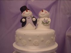 Snowman bride and groom cake topper