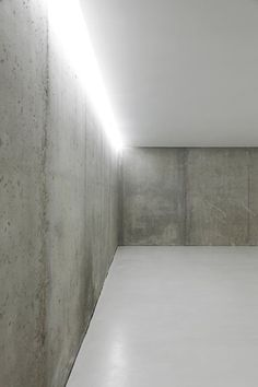 #architecture #design #windows #light #concrete #minimalism - House in Ontinyent, 2012