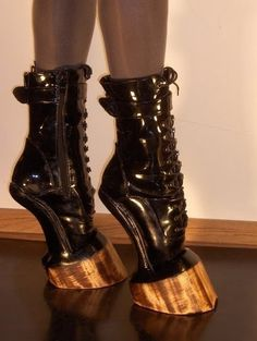More creepy weird ass shoes! Hell on Hooves ~ BDSM, Patent Leather boots. Funky Shoes, Crazy Shoes, Me Too Shoes, Weird Shoes, Crazy High Heels, Hoof Shoes, Shoe Boots, Pointe Shoes, Ballet Shoes