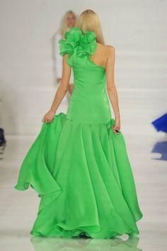 ralph+lauren+spring+2014+collection+new+york+fashion+week+green+bow+ruffle+dress+2.jpg 575×863 pixels