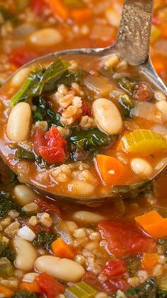 Mediterranean Kale, Cannellini and Farro Stew Recipe ~ delicious and ncredibly filling. Without the feta for vegetarian! Mediterranean Diet Recipes, Mediterranean Dishes, Vegan Recipes, Cooking Recipes, Kale Recipes, Vegan Soups, Healthy Stew Recipes, Recipies, Diet Soup Recipes
