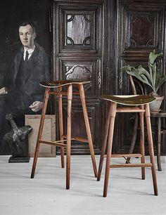 frag_dowel_4 Kitchen Stools, Bar Stools, Magic Squares, Wood Sample, Dark Walls, American Walnut, Milan Design, Industrial Chic, Industrial Design