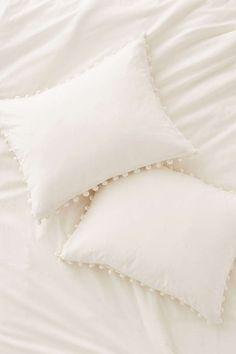 Pom-Fringe Pillow Sh