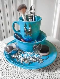 Definitely doing this!! Dinnerware Jewelry or Makeup Holder by Designs by Studio C featured on I Love That Junk