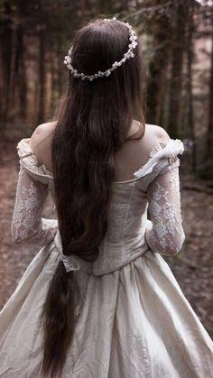 New Wedding Dresses Princess Fairy Tales Beautiful 28 Ideas Princess Aesthetic, Fantasy Photography, Fairy Tale Photography, Vintage Princess, Medieval Fantasy, Narnia, Belle Photo, Character Inspiration, Writing Inspiration