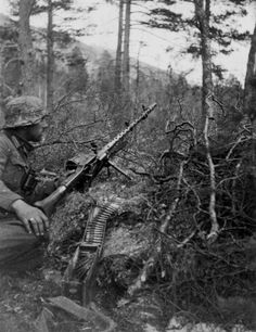 Forward MG34 outpost overlooking the rocky areas north of Viskisbrua. 24 May 1940 - Saltdal, Norway.