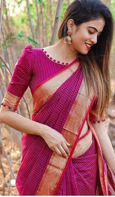 Blouse Designs High Neck, Cotton Saree Blouse Designs, Simple Blouse Designs, Stylish Blouse Design, Bridal Blouse Designs, Blouse Patterns, Kurta Designs, Sari Bluse, Traditional Blouse Designs