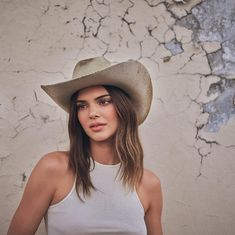 Kendall Jenner Outfits, Kendall And Kylie Jenner, Estilo Indie, Jenner Family, Jenner Sisters, Kardashian Jenner, Celebs, Celebrities, Girl Boss