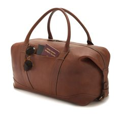 Travel bag in vegetable tanned  pieno fiore  (full grain) leather from cow 21ef6cd5a9c4d