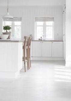 Page 3 – love you home! Building A Cabin, Interior Architecture, Interior Design, White Rooms, Scandinavian Home, Minimalist Interior, Beautiful Kitchens, Kitchen Interior, Home Decor Inspiration