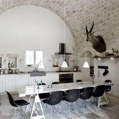 Home interior - Dining room - white table - Eames chair Interior Desing, Home Interior, Kitchen Interior, Interior Architecture, Interior Inspiration, Kitchen Inspiration, Home Decoracion, Cuisines Design, My New Room