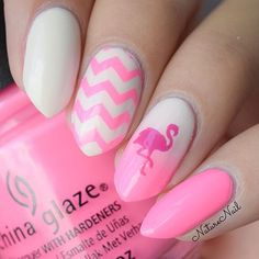 Sizzling summer mani by @naturenail! Ophelia is using our Flamingo Stencils & our Chevron Nail Vinyls to create this look. Find them at snailvinyls.com