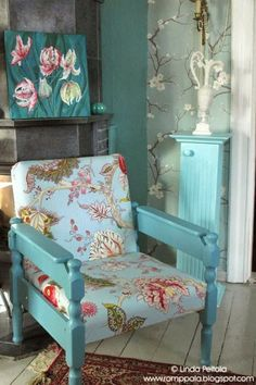 DIY chair makeover - from bland and dirty to bright and turquoise! New life to an old chair found from the dumpster. http://romppala.blogspot.com