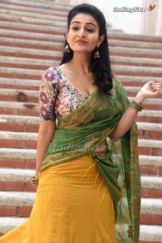 Indian Actress Hot Pics, Tamil Actress Photos, South Indian Actress, Beautiful Girl In India, Beautiful Girl Photo, Beautiful Bollywood Actress, Most Beautiful Indian Actress, Hot Actresses, Indian Actresses