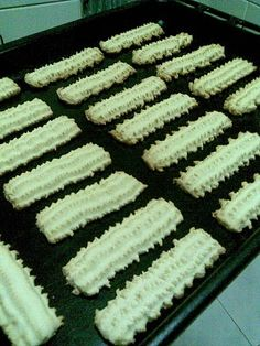 Spritz Cookies Recipe (the Chacogirl) Spritz Cookie Recipe, Spritz Cookies, Cookie Desserts, Cookie Recipes, Dessert Recipes, Grinders Recipe, Recipe F, Cookie Press, Biscuit Recipe