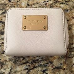Beautiful Michael kors wallet Brand new with out tags Michael kors wallet. Michael Kors Bags Wallets