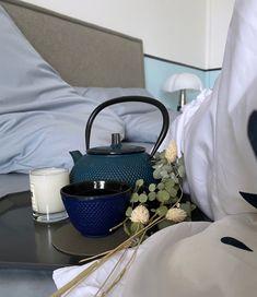 slow living chambre moment cocooning drap coton biologique fabriqué en France Percale De Coton, Blog Deco, Slow Living, Coton Biologique, Moment, New Homes, Kitchen Appliances, France, Comforter Set