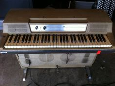 Vintage Wurlitzer Keyboard Piano Used by Billy Corgan to Record Mellon Collie Billy Corgan, Electric Piano, Keyboard Piano, In The Tree, Collie, Musical Instruments, Pumpkins, Musicals, Trees