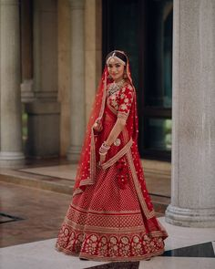Looking for Bridal Lehenga for your wedding ? Dulhaniyaa curated the list of Best Bridal Wear Store with variety of Bridal Lehenga with their prices Indian Bridal Outfits, Indian Bridal Fashion, Indian Bridal Wear, Indian Dresses, Bridal Dresses, Indian Clothes, Indian Wear, Wedding Lehenga Designs, Indian Wedding Lehenga