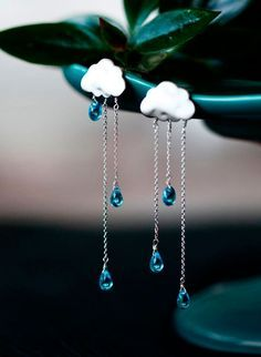 SUMMER RAIN earrings - long chain-blue crystals drop of rain-cloud earrings-rainy-handmade gift Cute Jewelry, Diy Jewelry, Jewelry Design, Fashion Jewelry, Jewelry Making, Unique Jewelry, Jewelry Box, Handmade Jewelry, Cute Earrings