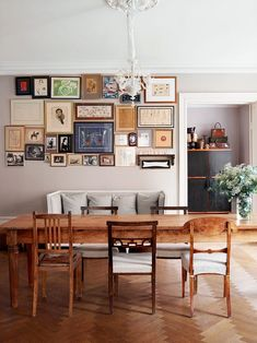 Built in 1884 this house is a gorgeous example of Parisian chic with a minimalist touch. Full of light with a subtle colour scheme and beautiful wood floors. Though, my favourite spot from the house i