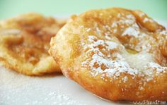 Deep-Fried Scones made from frozen roll dough. So easy and so delicious! Rhodes Dinner Rolls, Rhodes Rolls, Scones, Donuts, Food To Make, Breads, Queens, Frozen, Basket