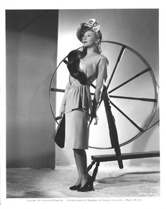 Pictures Of Mary, Mary Martin, Real Movies, Concrete Art, Vintage Hollywood, Movie Stars, Princess Zelda, Wonder Woman, Singer