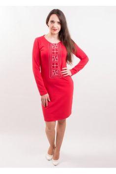 Зручна червона сукня з трикотажу з вишивкою хрестиком вишневого та білого  кольорів. Це приталена сукня 6dd8e2b5fa425