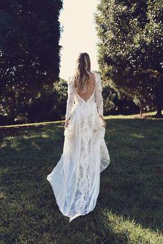 Vintage Summer Wedding Dresses Lace Garden Elegant Backless Long Sleeves Bridal Gowns