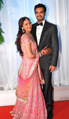 After a lavish wedding ceremony that took place in the early hours of Friday morning last week, Esha Deol and new husband Bharat Takhtani's wedding reception was an equally grand affair. Reception Suits, Indian Reception, Celebrity Couples, Celebrity Weddings, Bollywood Fashion, Bollywood Actress, Desi Wedding, Wedding Reception, Punjabi Couple