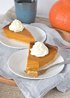 Pumpkin pie (pompoentaart) - Laura's Bakery Pumpkin Pie Cheesecake, Zucchini Cake, Apple Smoothies, Sweet Pie, Bakery Recipes, Piece Of Cakes, Savoury Cake, Cakes And More, No Bake Desserts