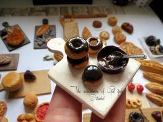 Miniature Chocolat Donuts By Gül ipek .istanbul #monaclay #mini #istanbul #