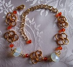 Bracciale in chainmail, cristalli, pietra di luna di Piccoli Capricci di Mara su DaWanda.com