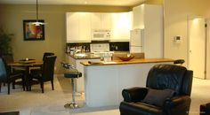 Premiere Executive Suites in Edmonton set the benchmark for furnished apartment short rental leases in Canada. Why stay in a suite hotel when on an extended stay. Executive Suites, Extended Stay, Furnished Apartment, Coffee Shops, Gas Fireplace, Large Windows, Natural Light, Barbecue, Balcony