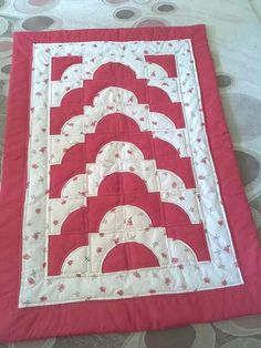 Seccade Islamic Decor, Baby Applique, Path Design, Prayer Rug, Bargello, Holidays And Events, Table Runners, Quilt Patterns, Diy And Crafts